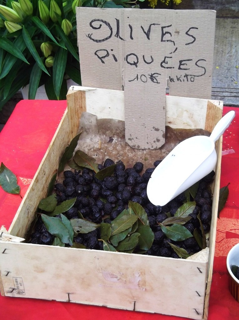 Nyons olives sold loose in the market.