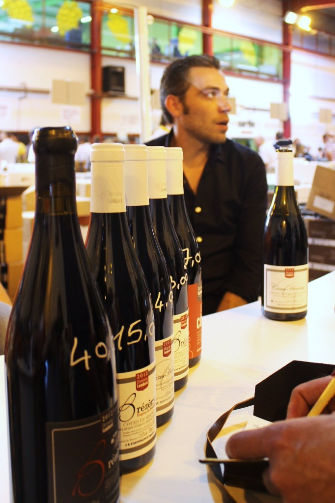 Julien Montagnon and his wines. And me making notes.
