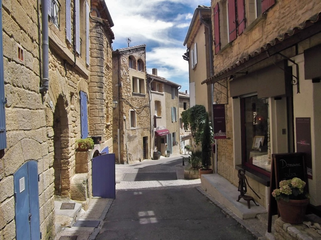High Street, Chateaueuf-du-Pape